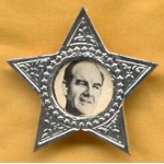 McGovern 14D - George McGovern 1972 Plastic Pin